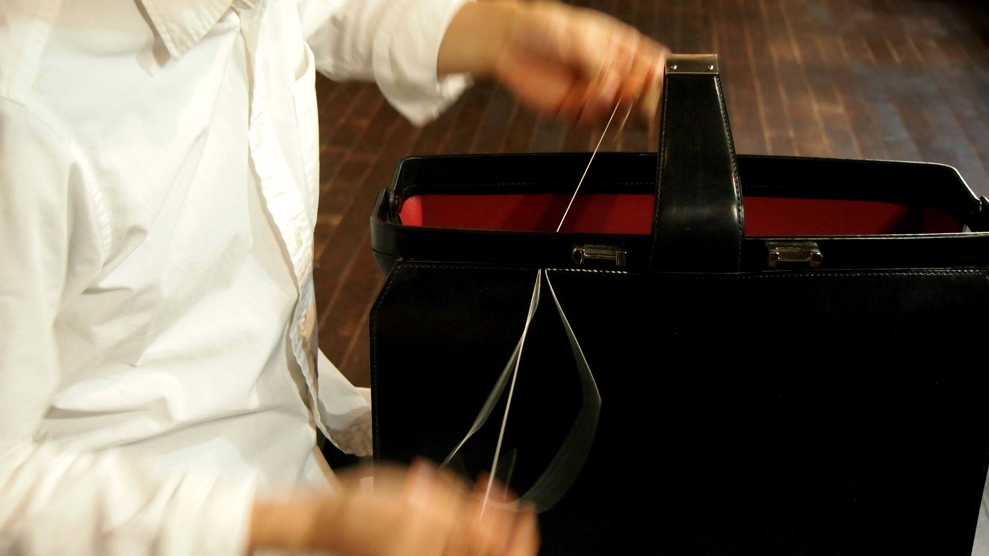 手縫いの革鞄(かばん)教室  <レザーバッグスクール> TRUNK(トランク) 東京